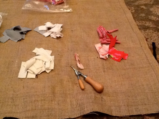 Making a rag rug step 1