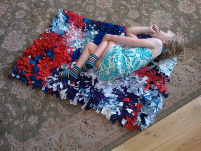 Rag rug showing proportions