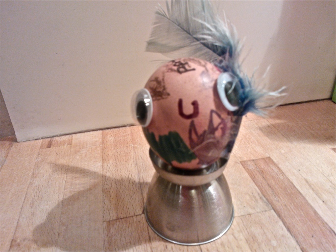 Easy kids craft - decorated egg