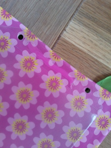 Hanging pockets - ribbon attachment