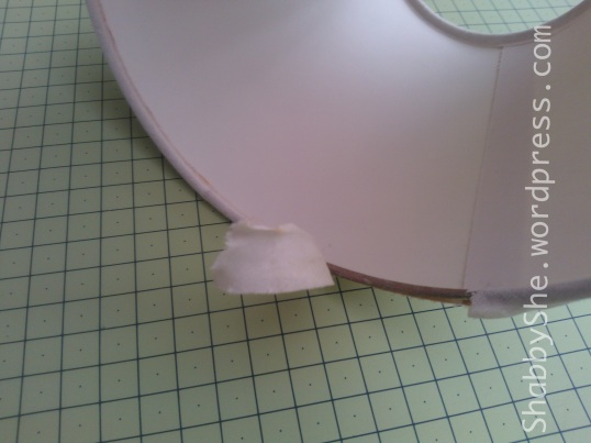 Removing fabric trim from lamp shade