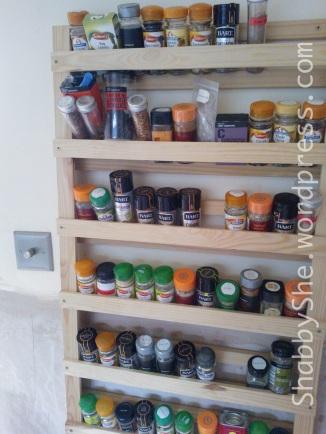 Organising idea DIY spice rack