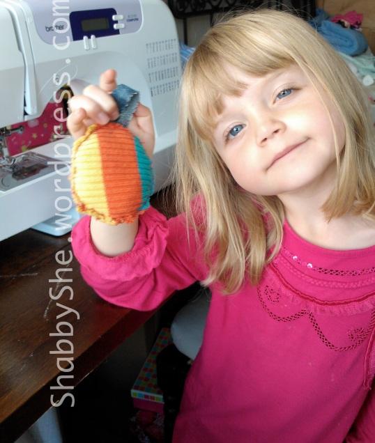 Easy kids sewing craft - DIY keyring