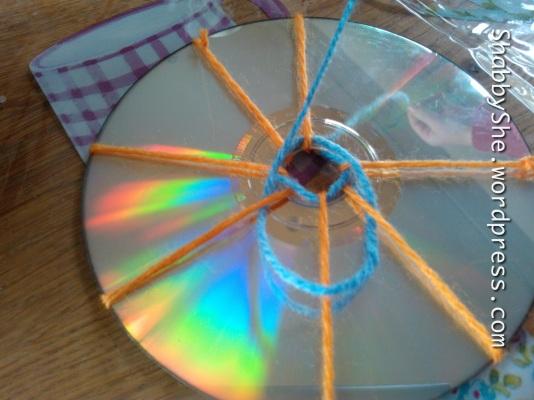 Starting your CD loom weaving
